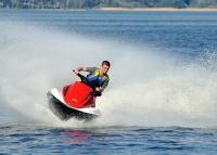 Speedboating